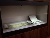 Chinese Paintings Gallery - Chinese Landscapes exhibition case. © Ashmolean Museum, University of Oxford