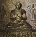 Fig. 2. SeatedBuddha: The First Sermon.Sandstone. Sarnath, late fifthcentury AD. Sarnath Museum. © Robert Skelton