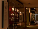 Japan 1600-1850 gallery ceramics case. © Ashmolean Museum, University of Oxford