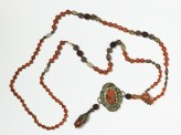 Necklace with agate brooch (EA1962.219)