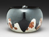 Mizusashi, or water jar, with maple leaves (side)