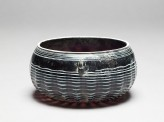 Marvered glass bowl (oblique)