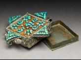 Gau, or reliquary locket
