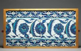 Tile decorated with peonies and serrated leaves (front, with EA1978.1528)