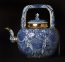 Blue-and-white winepot surmounted by kylin, or horned creature (EA1978.1941)