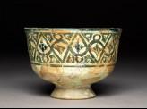 Stem bowl with geometric frieze and pseudo-kufic inscription