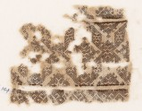 Textile fragment with band of linked diamond-shapes (EA1984.144)
