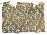 Textile fragment with stylized quatrefoil plants (EA1990.255)