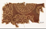 Textile fragment with quatrefoils, leaves, and large rosette (EA1990.325)