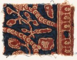Textile fragment with tendrils, leaves, and rosettes (EA1990.1063)