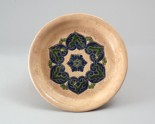 Tripod dish with floral hexafoil