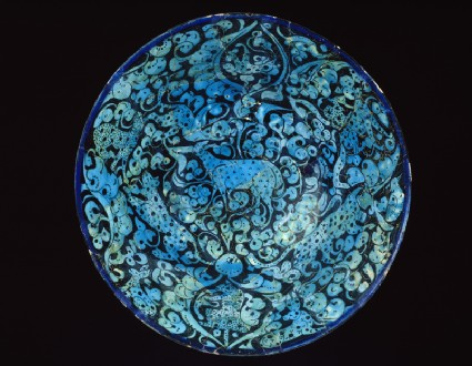 Bowl with animals against a foliate backgroundtop