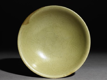 Greenware bowl with flowerstop