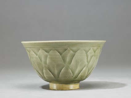 Greenware bowl with lotus decorationside