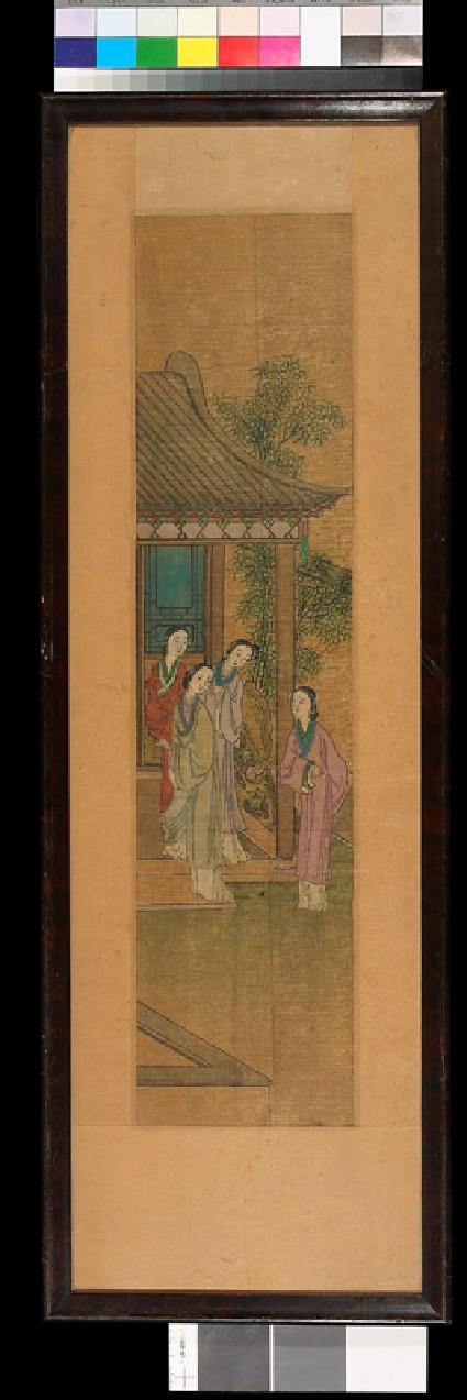 Female figures in a gardenfront