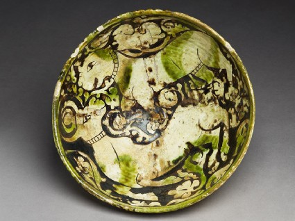 Bowl with lion attacking a gazelletop