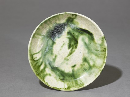 Saucer with splashed decoration in greentop