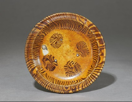 Tripod dish with marbled decorationtop