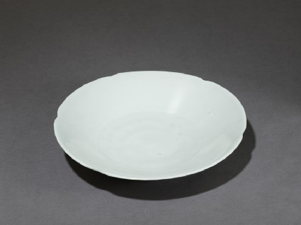White ware dishoblique