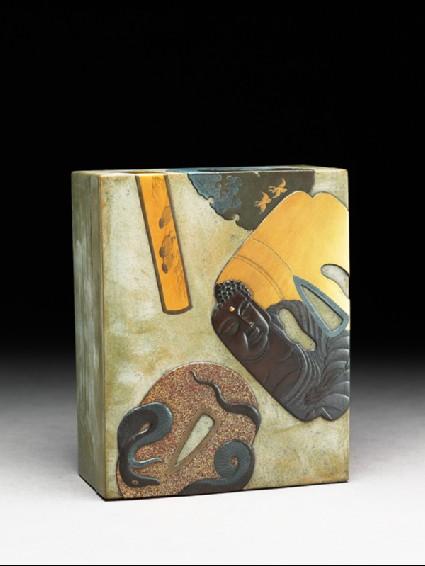 Box with sword furnitureoblique