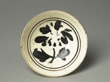 Cizhou ware bowl with underglaze flowertop