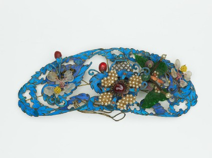 Hair ornament with flowers and butterflyfront