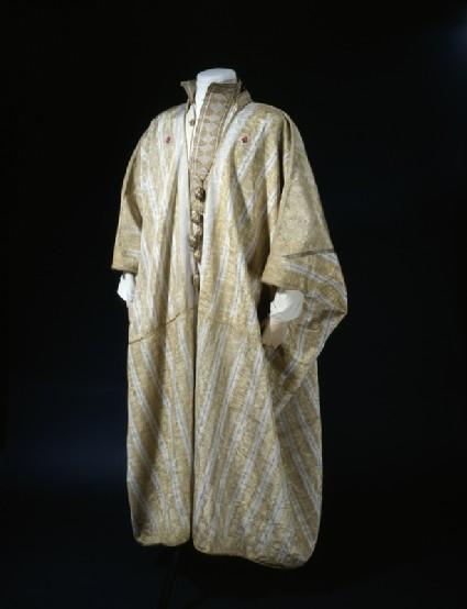 Arab robe worn by T. E. Lawrencerobe oblique, also shows shirt LI077.2 worn underneath