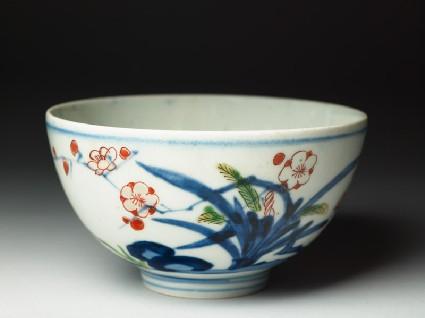 Bowl with floral decorationoblique