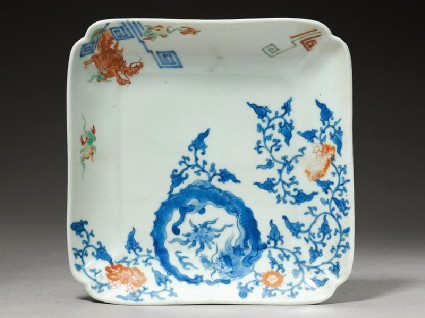 Square dish depicting a dragon chasing a flaming pearltop