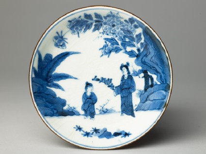 Saucer with woman and childtop