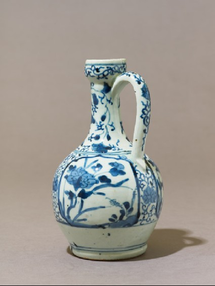 Jug with floral decorationside