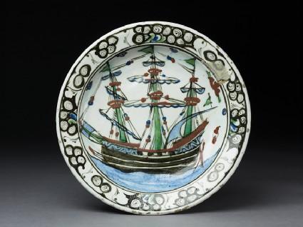 Dish with a European shiptop