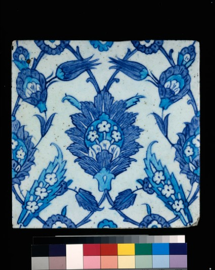 Square tile with leaves and tulipsfront