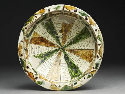 Bowl with incised radial decorationtop