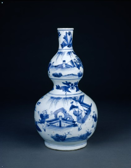 Blue-and-white vase in double-gourd formside