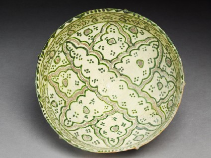 Bowl with elaborate eight-pointed figuretop