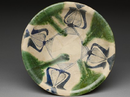 Bowl with blue and green decorationtop