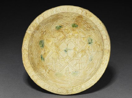 Bowl with geometrical patternstop