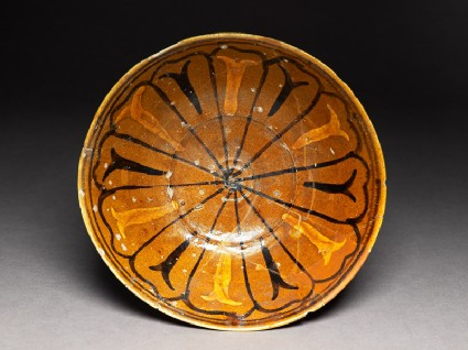 Bowl with stems and leavestop