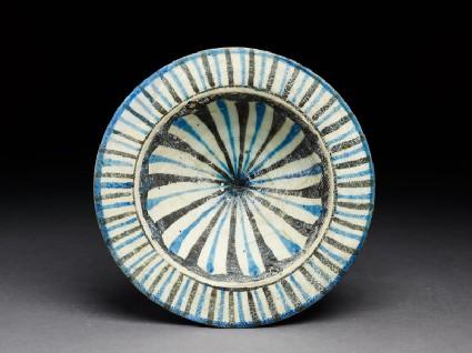 Dish with stripestop