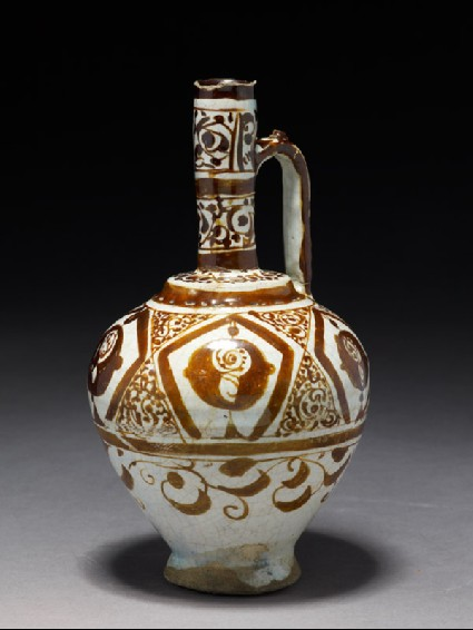 Ewer with stylized flowersside