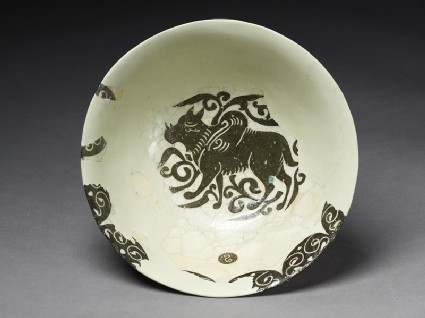 Bowl with winged animaltop