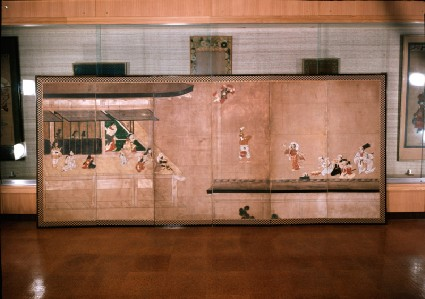Six-fold screen depicting acrobats performing before a rich householdfront