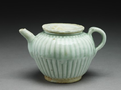 White ware ewer with ribbed bodyoblique