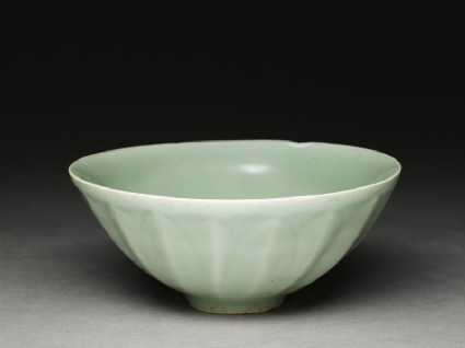 Greenware bowl with lotus petalsoblique