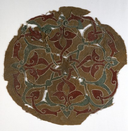 Roundel fragment with interlacing vines and leavesfront