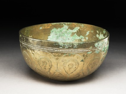 Bowl with drop-shaped and circular patternsoblique
