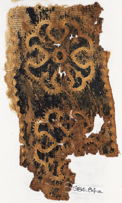 Textile fragment with Maltese crossesfront