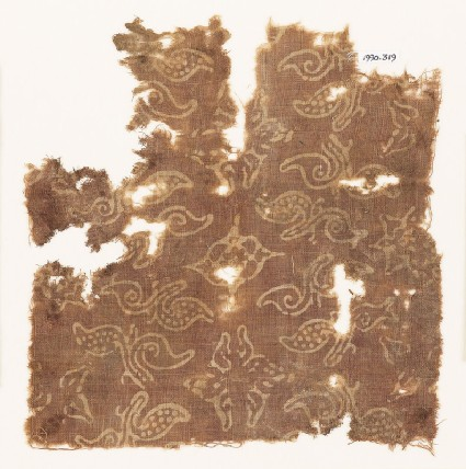 Textile fragment with stylized plants and quatrefoilsfront