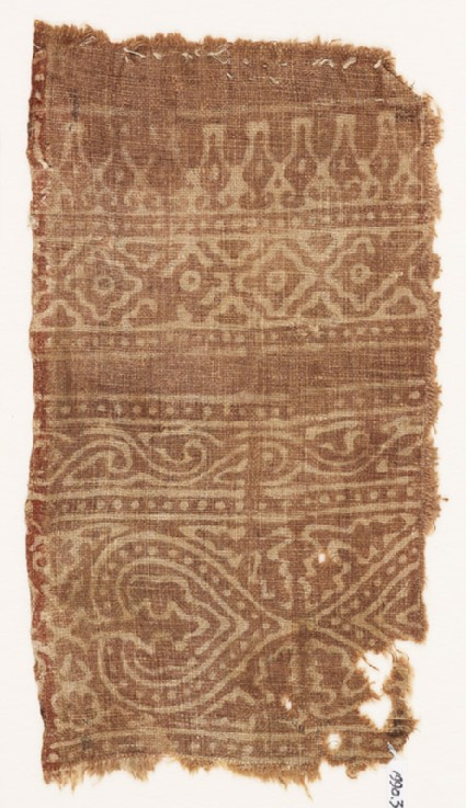 Textile fragment with hearts or leavesfront